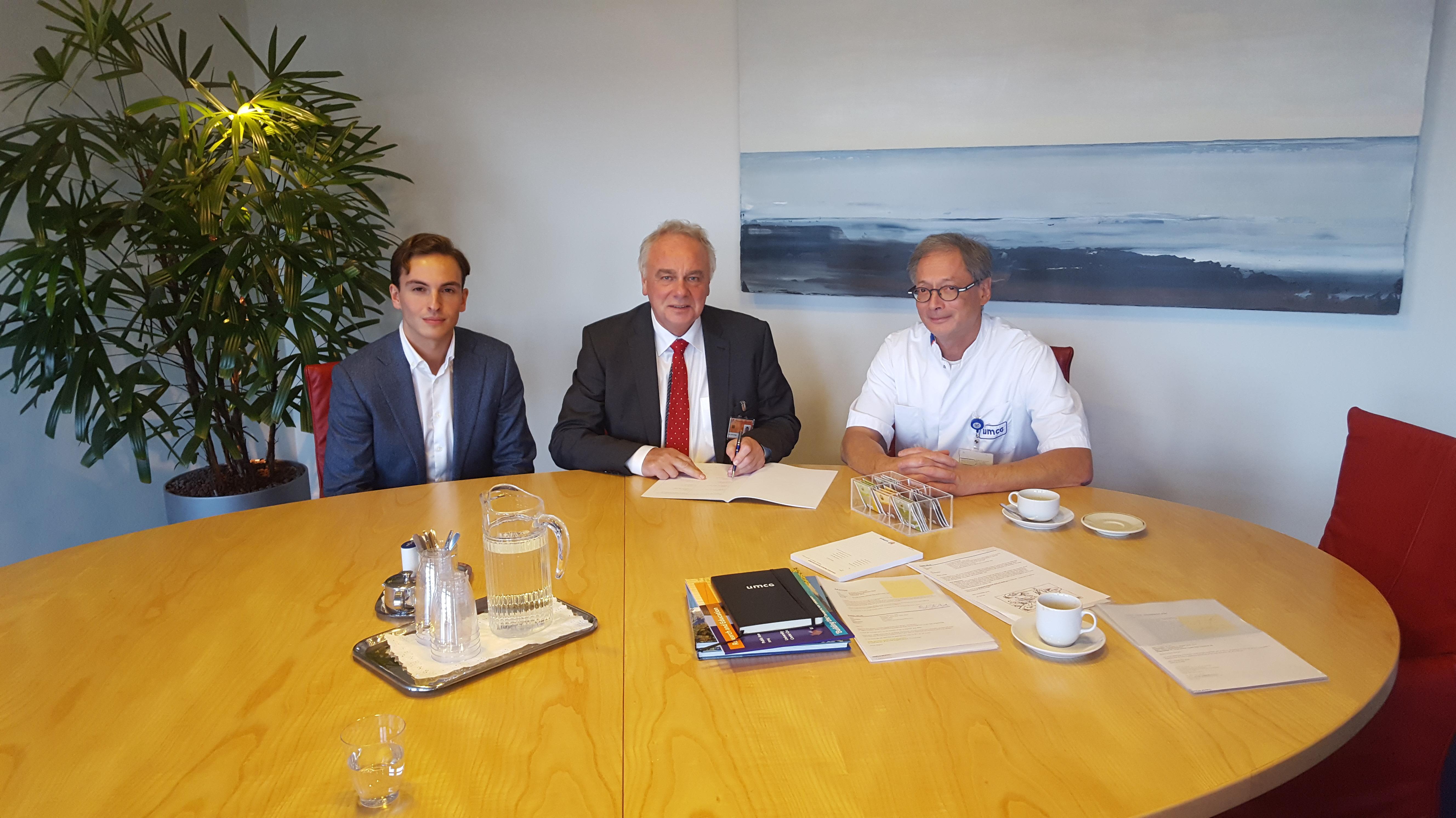 Eerste ondertekening Health Deal door UMCG